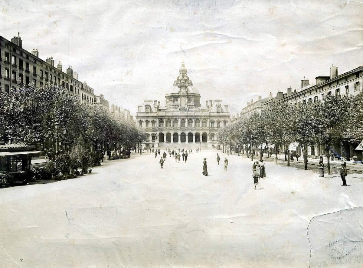 2 FI ICONO 524, place de l'Hôtel de ville, 1910
